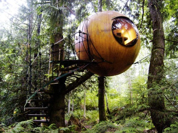 SuspendedSphericalTreeHouse-VancIsland